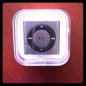 NIB IPod Shuffle - silver 2GB